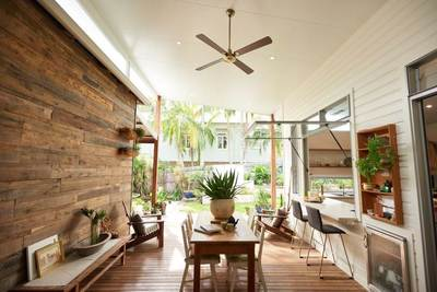 Timber feature wall in Bangalow alfresco by Northern rivers Recycled Timber